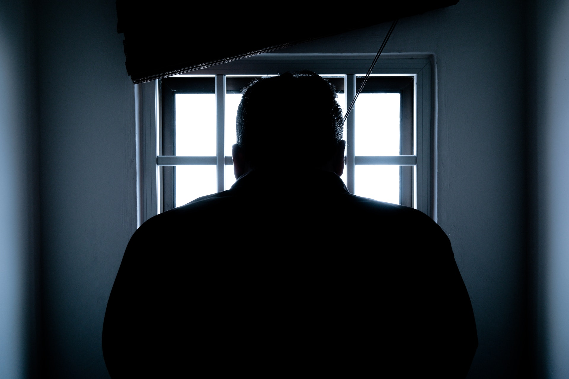 Man sat in jail cell